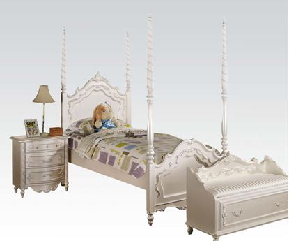 Picture of Pearl White Full Post Bed for Girls